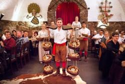 Rittermahl wird serviert